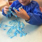We love getting messy and enjoying our sensory play such as this slime experience, as it encorages children experiment with different sensations and work on fine motor skill development as they manipulate and construct using slime. This experince connects to the EYLF Learning Outcome: 4 Children are confident and involved learners.